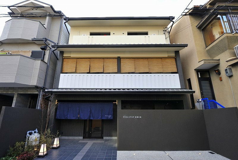 Licensed Guesthouse, 8 twin room Ryokan, on 3 floors for Sale in Shimogyo, Kyoto near Tanbaguchi sta.